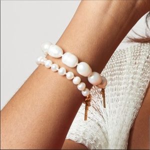 NWOT Anthro Sadoughi Pearl Short Bracelet